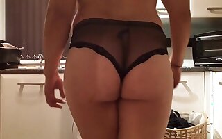 Bif booty boyfriend twerk in black panrties