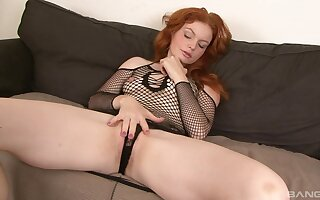 Interracial sex with black dude is the favorite sex game for Barbara Babeurre