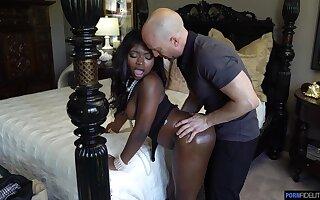 Anal-loving Ebony babe lets a white pencil jump say no to bones